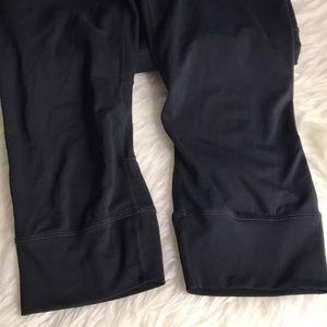 Athleta Pants - {Athleta} Replay Capri Leggings w Reflectors